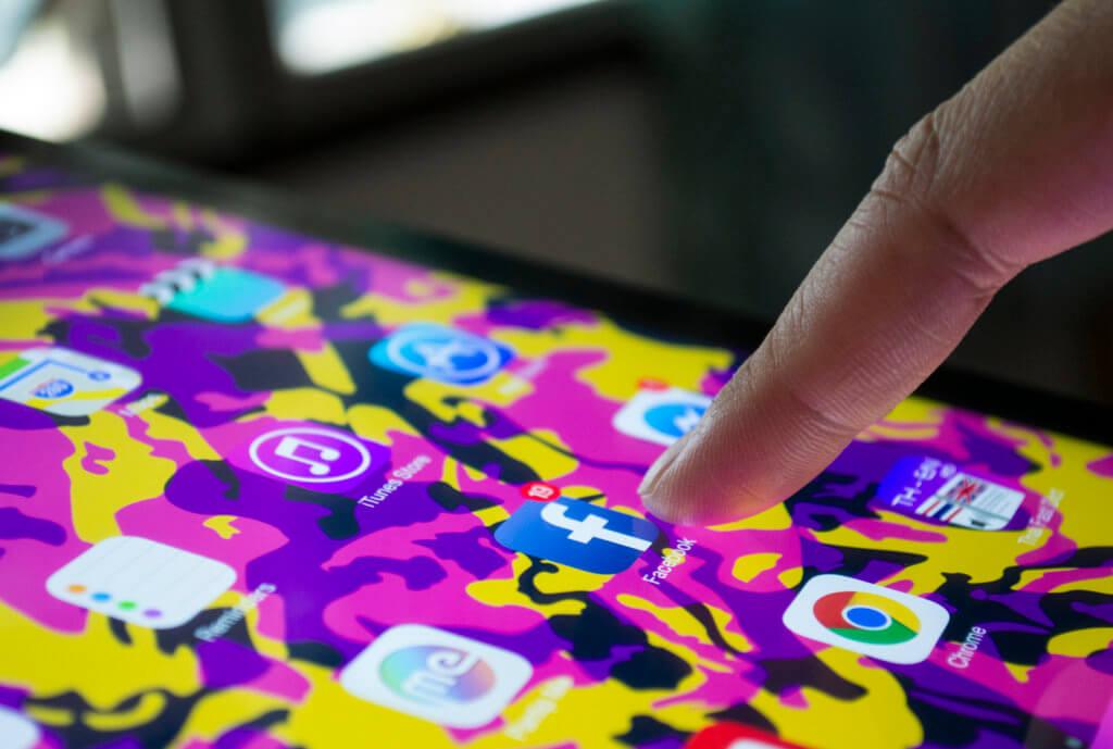 phone app dashboard graphic design