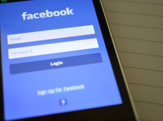 facebook marketing phone photo